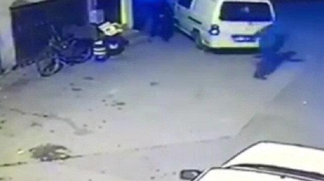 Bursa'da arabasını çalmak isteyen hırsızı böyle kovaladı