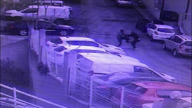 Kağıthane'de torbacıların bıçaklı kavgası kamerada