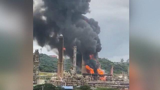 Güney Afrika'da petrol rafinerisinde patlama meydana geldi