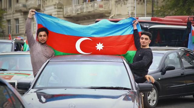Türk iş adamlarından Azerbaycan'daki şehit ailelerine destek