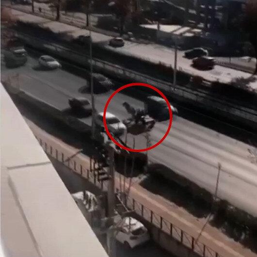 At arabalı hırsız işlek caddede ters istikamette giderek tehlike saçtı