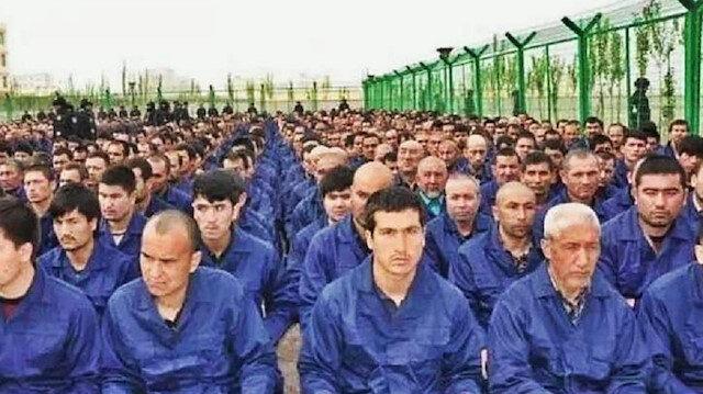 Uygur Türklerine zulmü tek tek anlattı: Domuz eti yedirmek için kutsal günleri seçiyorlardı...