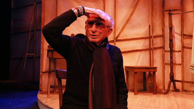 92 yaşındaki usta tiyatrocu Haldun Dormen koronavirüsü yendi