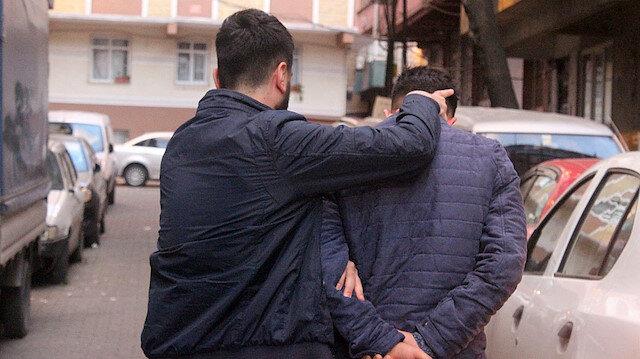 İzmir'de polise tekmeli saldırı