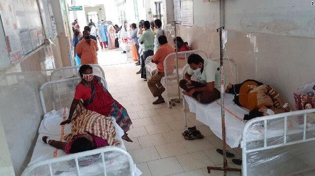 Hindistan'da gizemli hastalığın nedeni araştırılıyor: 450 kişi hastanelik oldu