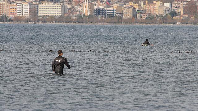 Denizde kovalamaca: Kaçak midye avcıları dalgıç polisler  tarafından yakalandı