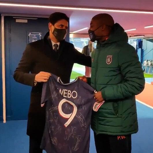 PSG Başkanı Nasır Al-Khelaifiden ırkçı saldırıya maruz kalan Pierre Webo'ya forma hediyesi