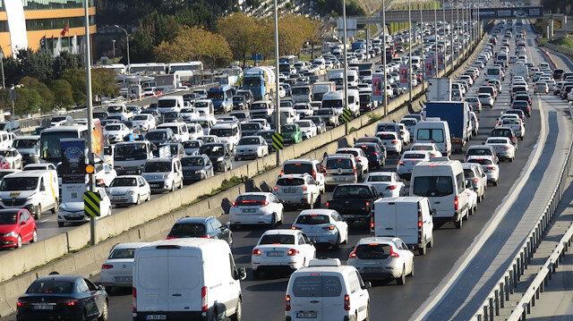 56 saatlik kısıtlama öncesi İstanbul trafiği kilit: Yoğunluk yüzde 65'e çıktı