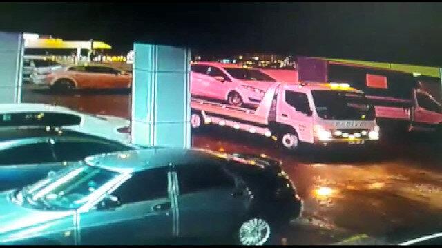 """""""Bana sattıkları hasarlı aracı çaldılar"""" deyip şikayetçi oldu: Otomobilin götürülme görüntüleri çıktı"""