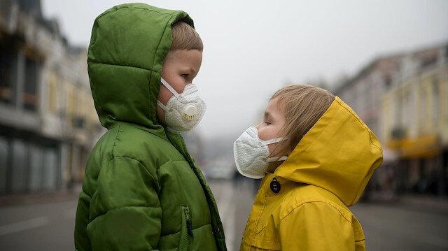 'Koronavirüsün çocukları etkilemediği yanlış' deyip uyardı: Döküntü ve halsizlik varsa dikkat!