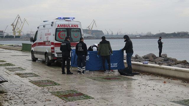 Balık avlayan vatandaş gördü: Denizden erkek cesedi çıktı