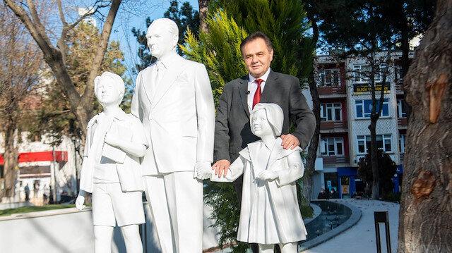 CHP'li Bilecik Belediyesi'nin gündemi heykel boyutu: Gerçeğine birebir uygun yaptık