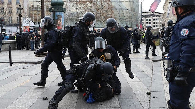 Fransa'da polislerden şiddet itirafı: Sadece göçmen çadırlarını yıkmakta iyiydik