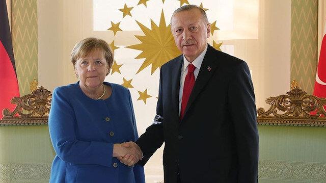Cumhurbaşkanı Erdoğan Almanya Başbakanı Merkel ile video konferansla görüştü