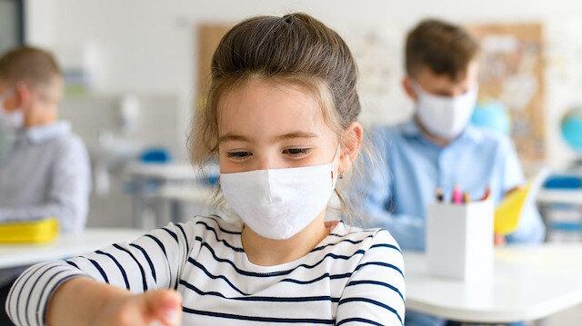 Koronavirüsün yeni türüne yönelik çocuklar için uyarı: Yetişkinler kadar enfekte edebilir