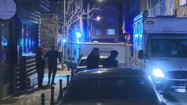 Kadıköy'de park halindeyken yanan kamyonette 2 kişi ölü bulundu
