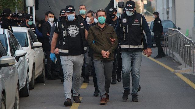 Adana'da çok önemli rüşvet operasyonu: CHP'li Ceyhan Belediyesi'nde eski başkan dahil 5 kişi tutuklandı