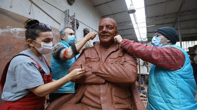 CHP'li Buca Belediyesi Bekir Coşkun'un heykelini açmaya hazırlanıyor