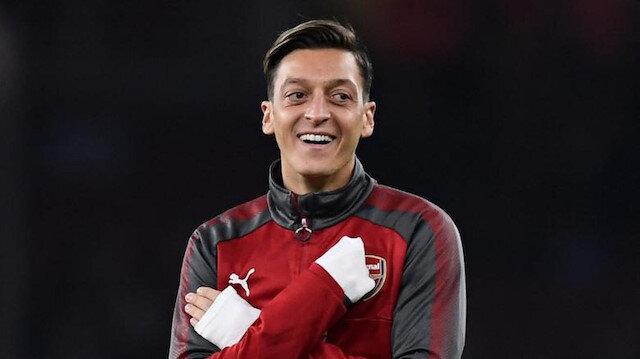 Mesut Özil küçükken tuttuğu takımı açıkladı