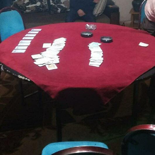 Ekipler fazla arabayı görünce nöbetçi savcıdan talimat isteyip eve girdi: Kumar oynayan 8 kişiye 30 bin ceza
