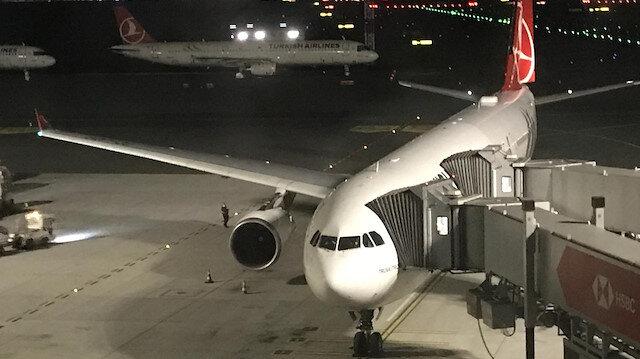 Londra'dan tahliye edilen 105 yolcu THY uçağı ile İstanbul'a geldi