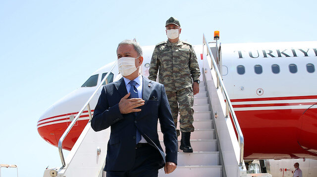 Bakan Akar ve TSK komuta kademesi Libya'ya gitti