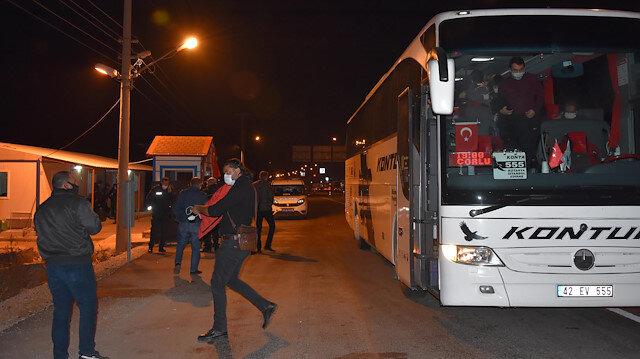 Otobüsün bagajından 6 kaçak göçmen çıktı