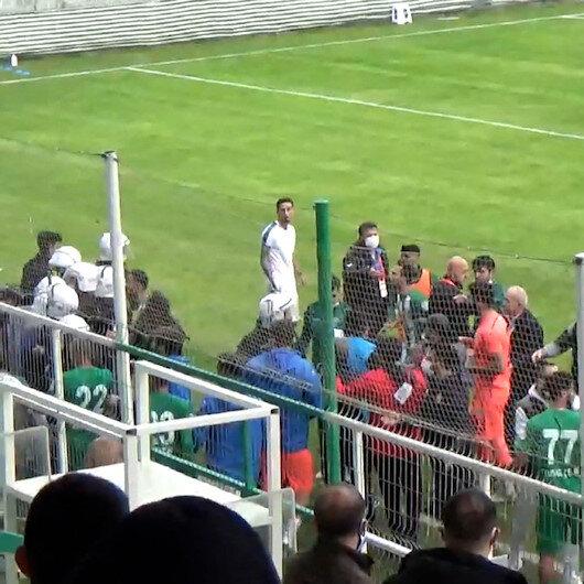 Antalyada futbolcular birbirine girdi: Polis arbedeyi güçlükle önledi