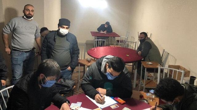 Pandemide kumar oynayanlara rekor ceza: 13 kahvehanede 121 kişiye 458 bin 325 lira para cezası