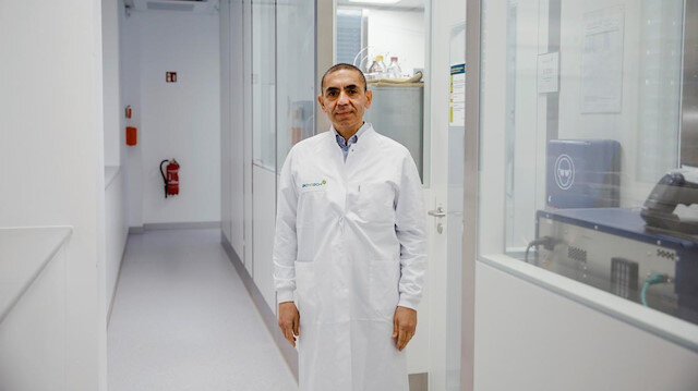 Türk bilim insanı Şahin uyardı: Koronavirüs en az 10 yıl hayatımızdan çıkmayacak