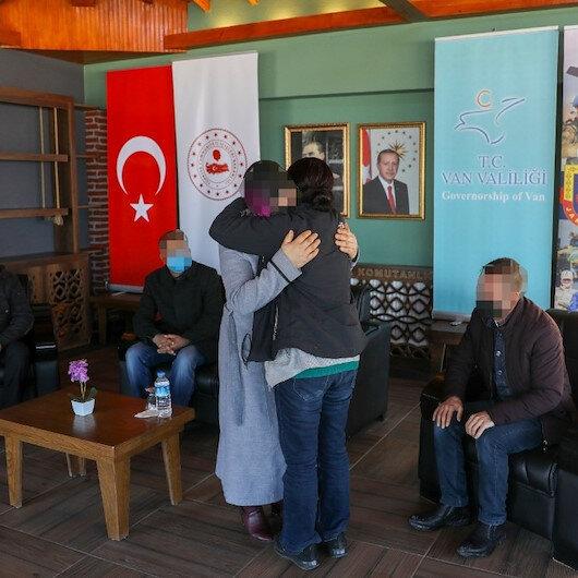 Vanda teslim olan PKKlı kadın terörist ailesiyle buluşturuldu