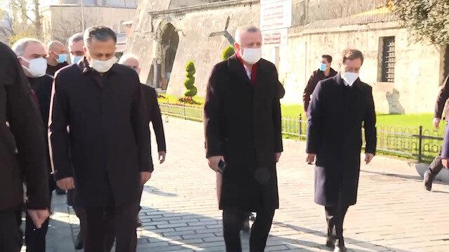 Cumhurbaşkanı Erdoğan Ayasofya Cami'sinden İstanbul Valiliğine yürüyerek gitti