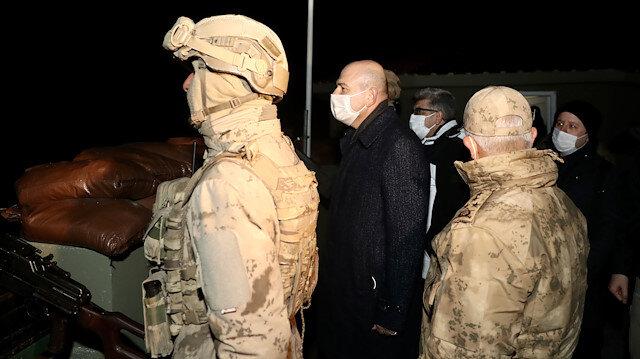 İçişleri Bakanı Soylu yeni yıla Belbuka kalekol üs bölgesindeki askerlerle girdi
