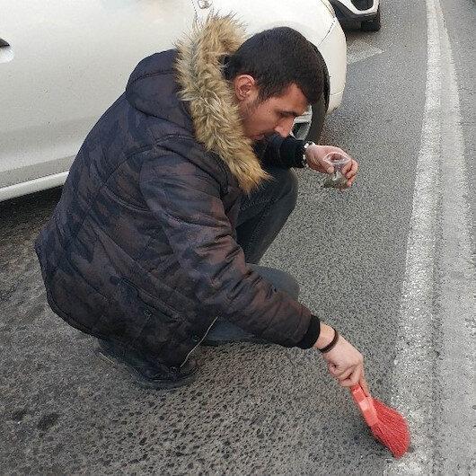 Samsunda narkotik polisi asfalttan uyuşturucu süpürdü