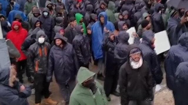 Bosna Hersek'teki mülteciler kamptaki kötü yaşam koşullarını protesto etti