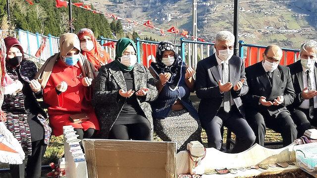 Aile Bakanı Selçuk'dan şehit Eren Bülbül'ün kabrine ziyaret