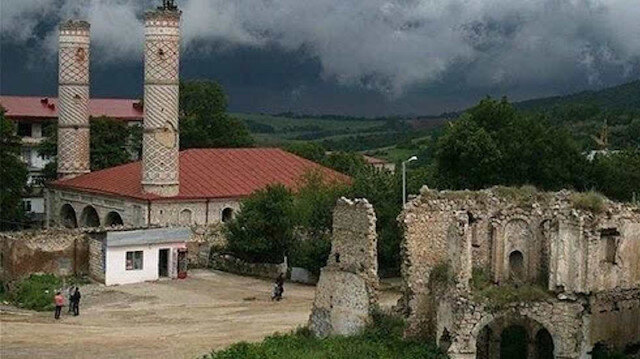 """Aliyev açıkladı: Şuşa, Azerbaycan'ın """"kültür başkenti"""""""