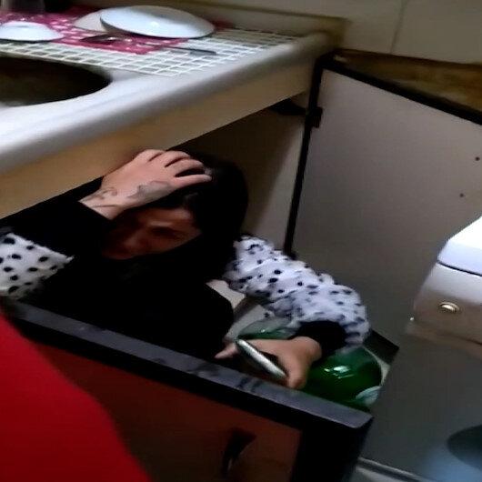Kumar oynanan kahvehanede mutfak dolabına saklanan kadının üzerine çamaşır suyu döküldü