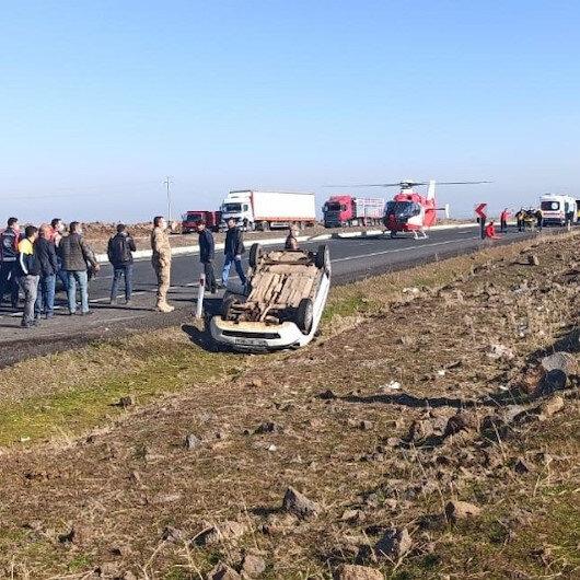 Şanlıurfada kaza sonrası olay yerine ambulans helikopter sevk edildi