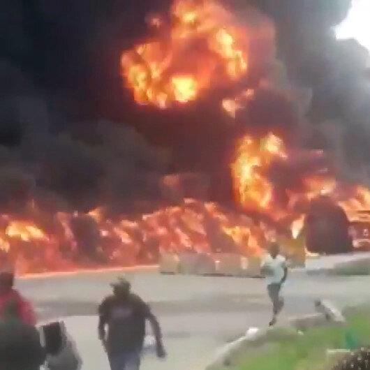 Nijeryada petrol taşıyan tankerin patlamasıyla ortalık savaş alanına döndü