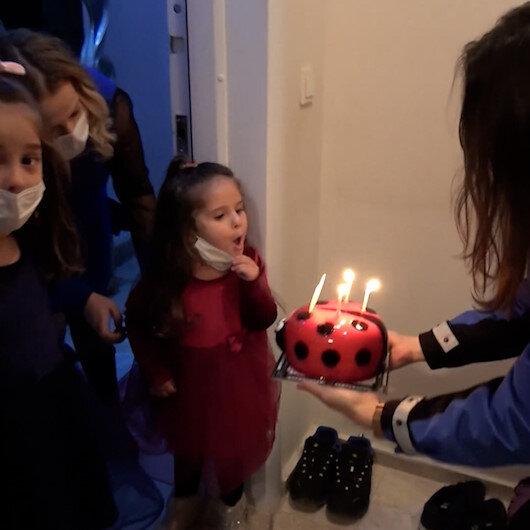 Balıkesirde polis bu kez operasyona değil doğum günü kutlamaya gitti