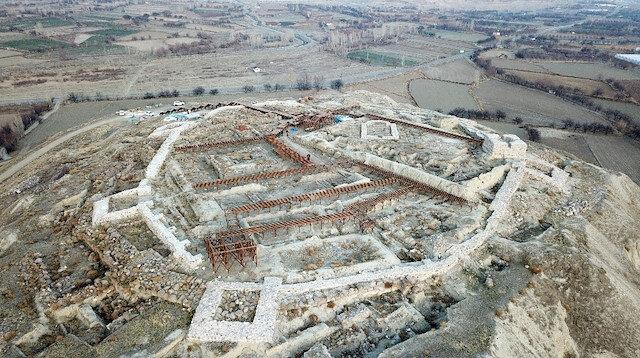 Arkeopark oluyor: Tam 2 bin 900 yıllık kale