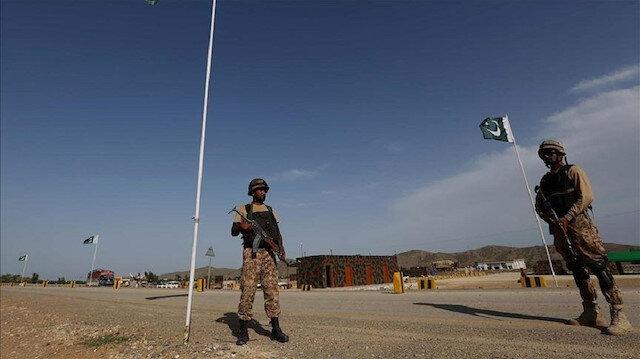 """Pakistan çok namlulu roketatar """"Fateh-1'i"""" başarılı şekilde test etti"""
