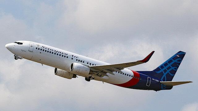 Endonezya'da kaybolan yolcu uçağının denize düştüğü kesinleşti