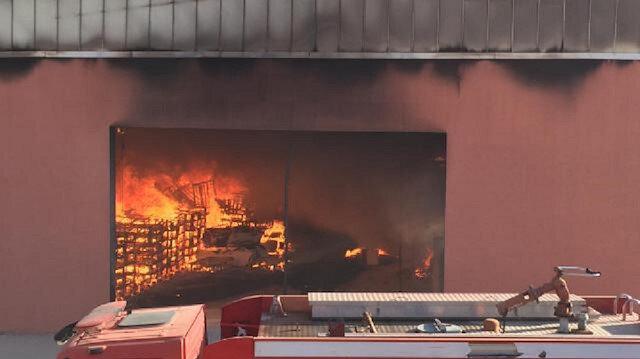 Harran Üniversitesinin lojistik deposunda yangın