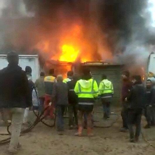 Elazığda işçilerin kaldığı konteynerler alev alev yandı