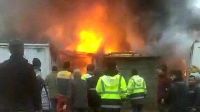 Elazığ'da işçilerin kaldığı konteynerler alev alev yandı