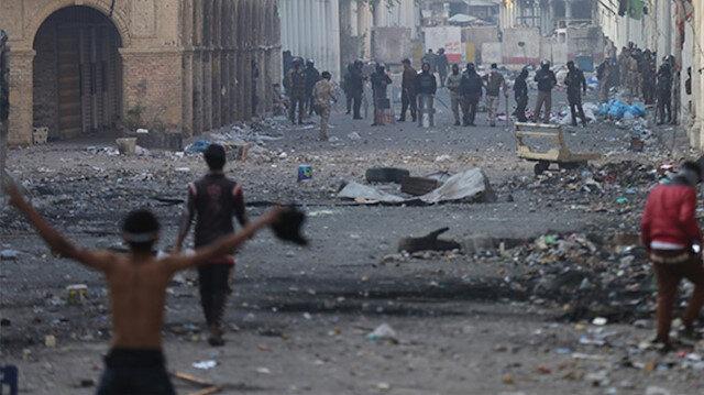 Irak'ın Zikar vilayetindeki gösterilerde bir polis öldü 5 kişi ise yaralandı