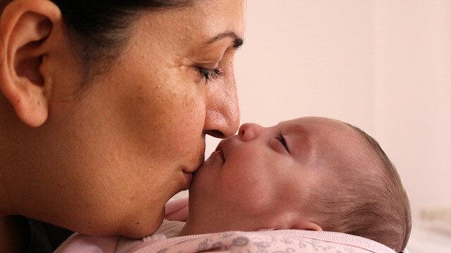 'Allah'ın mucizesini izledik': Prematüre bebeğin kirpikleri annesinin gözleri önünde çıktı