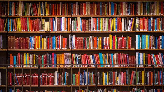 Kitaplarla yaşayanlar